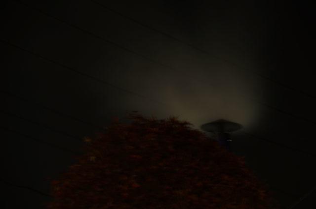 陣笠煙突より立ち上る煙 夜 バルブ撮影