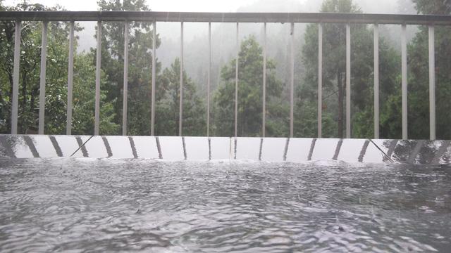 秋川渓谷瀬音の湯の露天