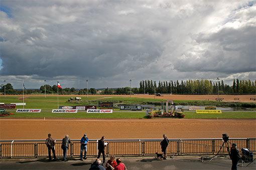 グレーニュ競馬場