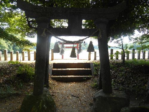 035_1706薦神社