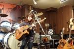 キクチシノブ(ギターも弾きます)