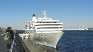 横浜大桟橋。飛鳥Ⅱ、パシフィックビーナス13