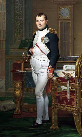 ナポレオンの「肖像画のポーズ」に隠された秘密とは?