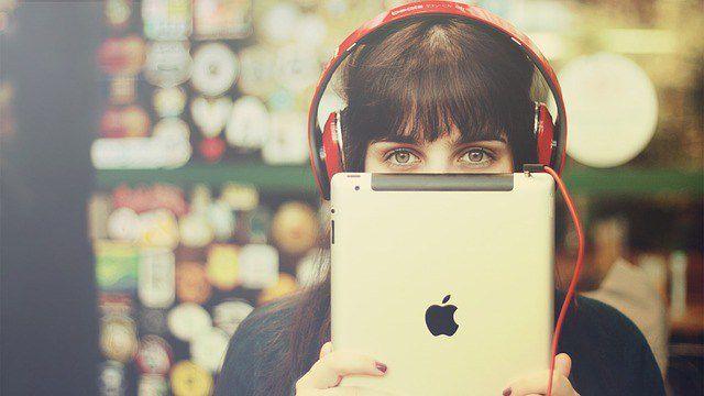 アップル社のリンゴマークが欠けているのは何故?