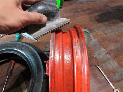 タイヤ履き替え (3)