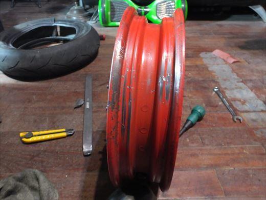 タイヤ履き替え (4)