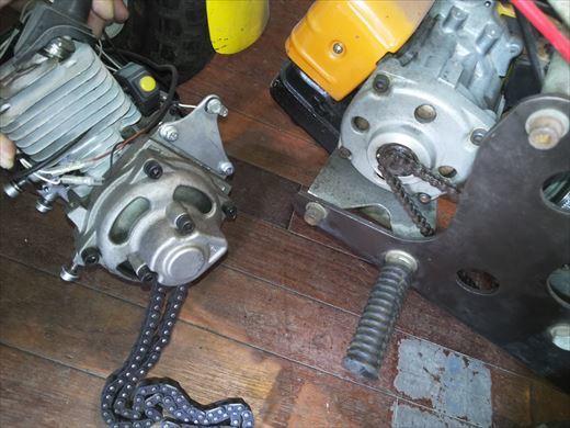 ②ポケバイエンジン載せ替えとステップ作成 (2)