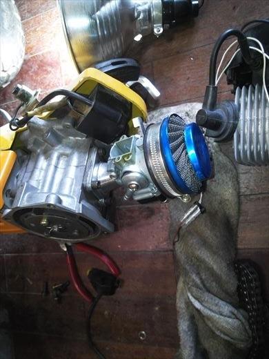 ②ポケバイエンジン載せ替えとステップ作成 (5)