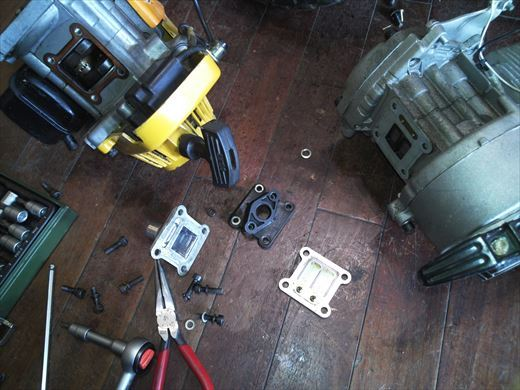 ②ポケバイエンジン載せ替えとステップ作成 (7)