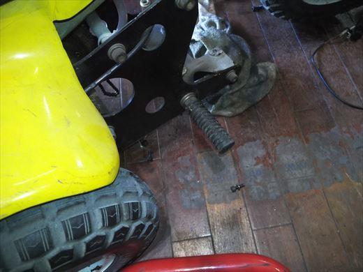 ②ポケバイエンジン載せ替えとステップ作成 (12)