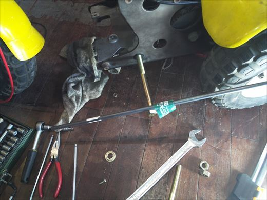 ②ポケバイエンジン載せ替えとステップ作成 (11)