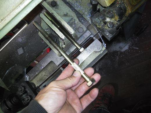 ②ポケバイエンジン載せ替えとステップ作成 (19)