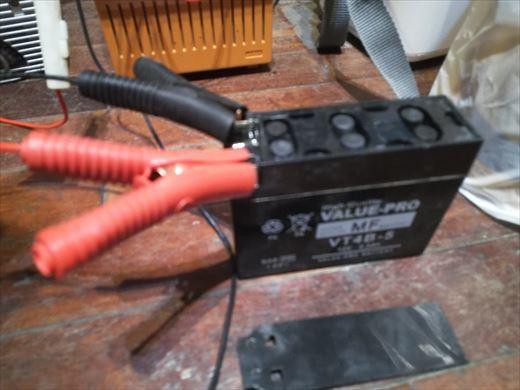 ④バッテリー充電 (8)