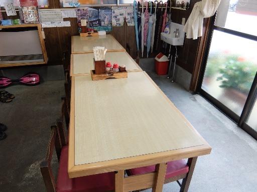 繋げたテーブル席
