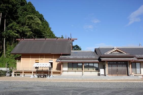 再建された社殿
