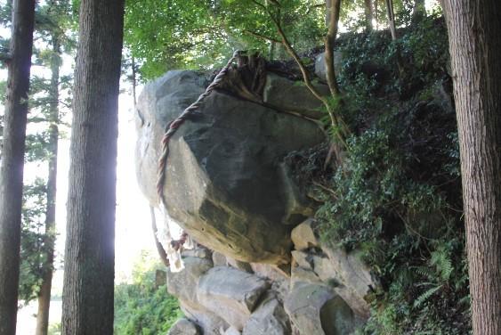 巨石の横顔