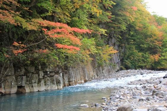 松川渓流と玄武岩
