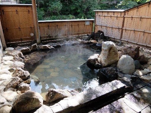 岩石露天風呂