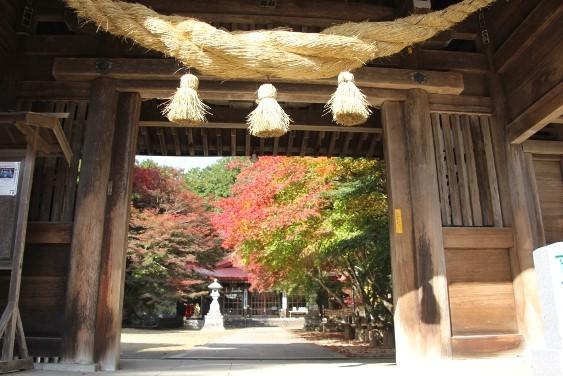 神門からの紅葉