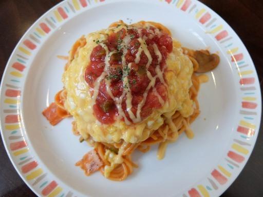 ふわふわチーズオムレツナポリタン(赤)