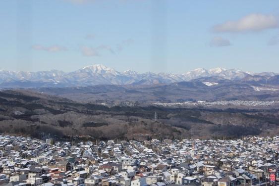 最上階からの蔵王連峰・定義山