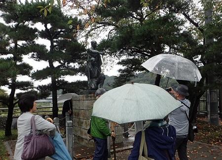 ④多摩川兄弟の銅像