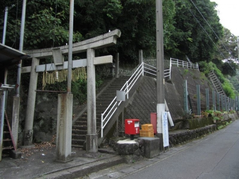 鞍佐里神社