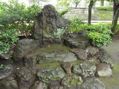 西郷従道邸の庭石