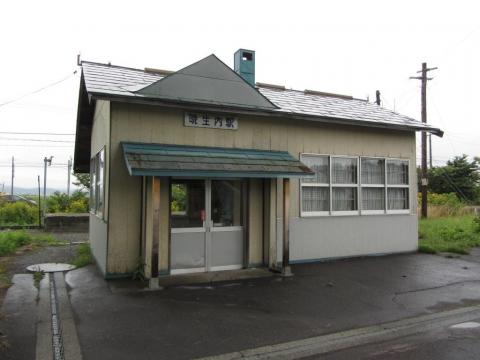 晩生内駅駅舎