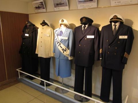 青函連絡船乗務員の制服