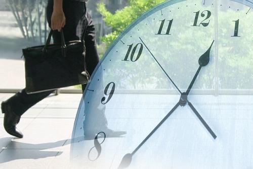 歩く人 時計 時間 仕事