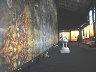 ディマシオ美術館 世界最大の油彩画 ななめ