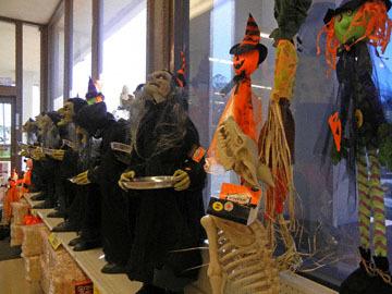 blog CP9 Halloween Dolls, Fort Bragg, CA_DSCN5808-10.5.17.jpg