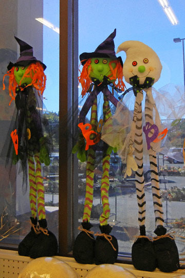 blog CP9 Halloween Dolls, Fort Bragg, CA 2_DSCN5807-10.5.17.jpg