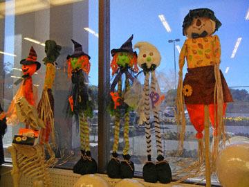 blog CP9 Halloween Dolls, Fort Bragg, CA_DSCN5807-10.5.17.jpg