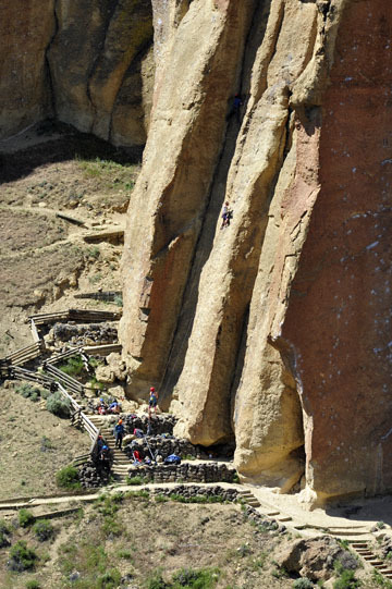blog 50 Smith Rock State Park (26E-Lone Pine Road), Rock Climers, OR 2_DSC0733-5.02.16.(2).jpg