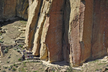 blog 50 Smith Rock State Park (26E-Lone Pine Road), Rock Climers, OR_DSC0732-5.02.16.(2).jpg